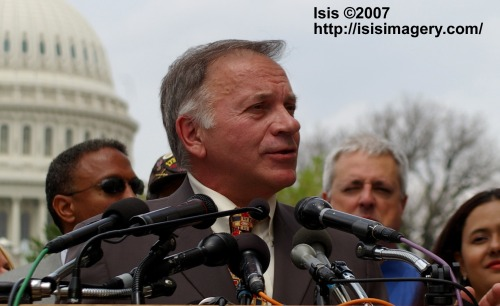 Tancredo in front of the US Capitol, 2007